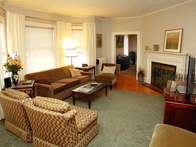 133 Kenyon- Living Room