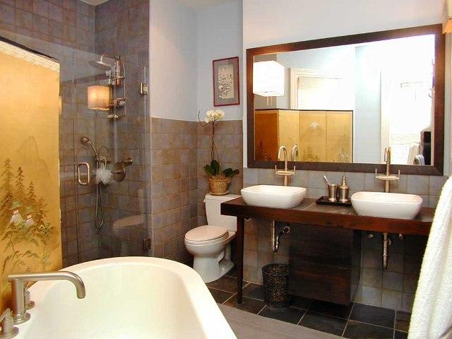 133 Kenyon- Master Bedroom Bathroom