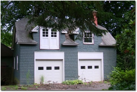 Carriage houses in the west end greater hartford real for How much to build a carriage house