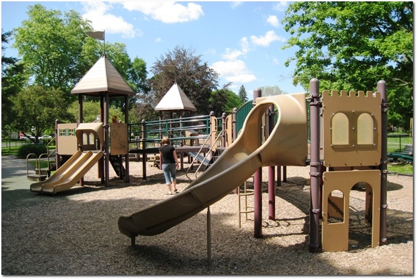 Mikeys Place Wethersfield - Small Playscape
