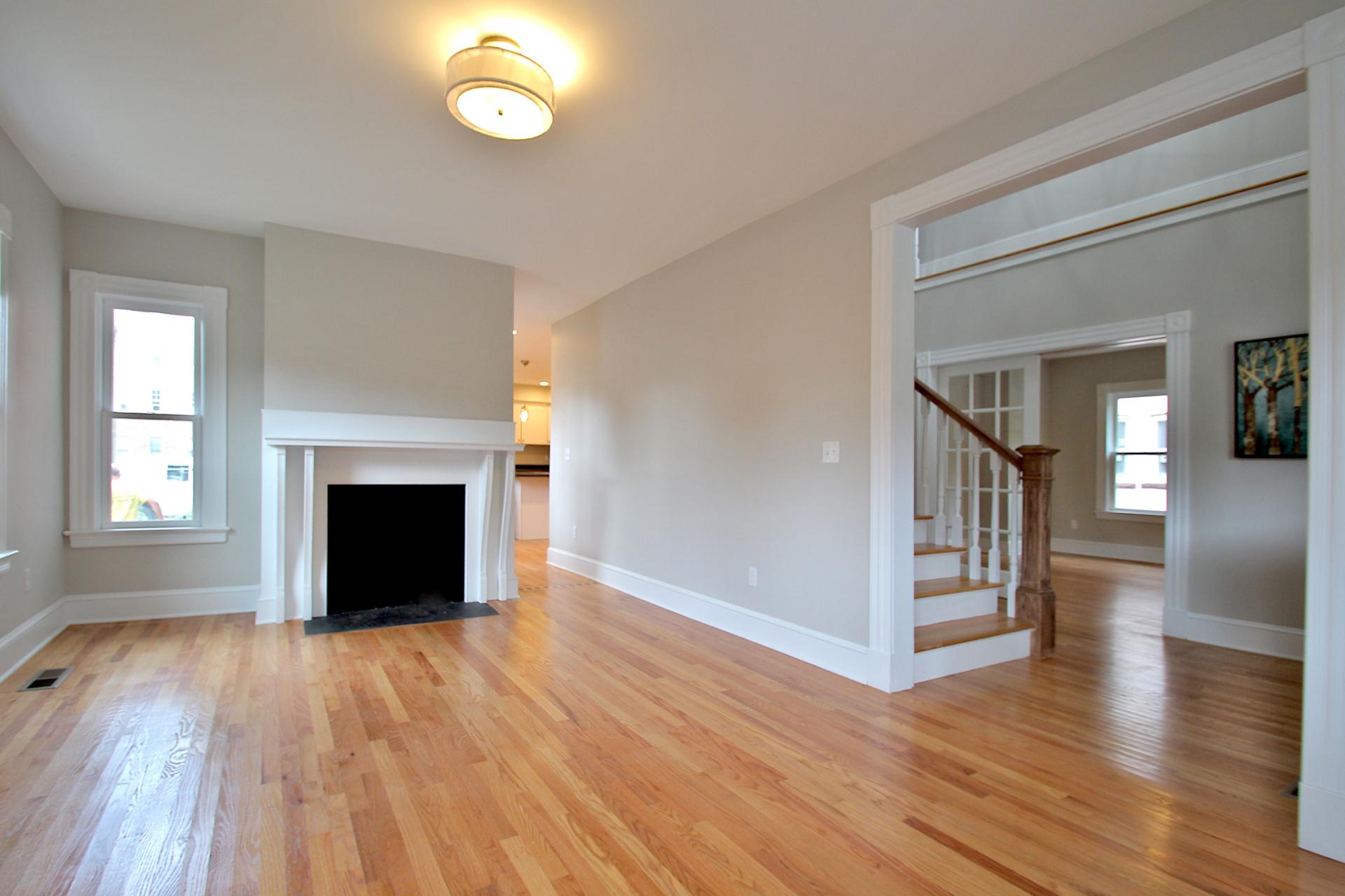 115 Sigourney - Living Room