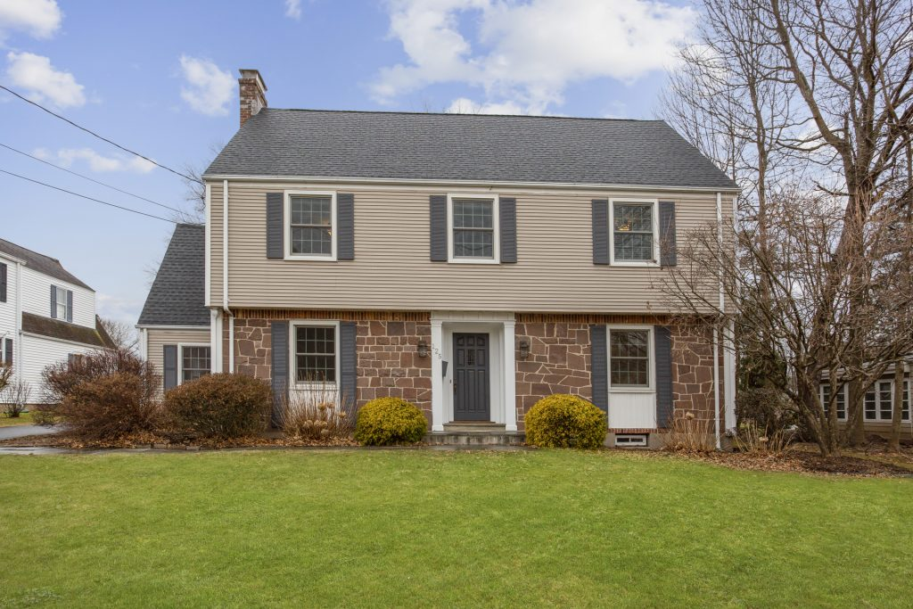 125 Ridgewood Road, West Hartford