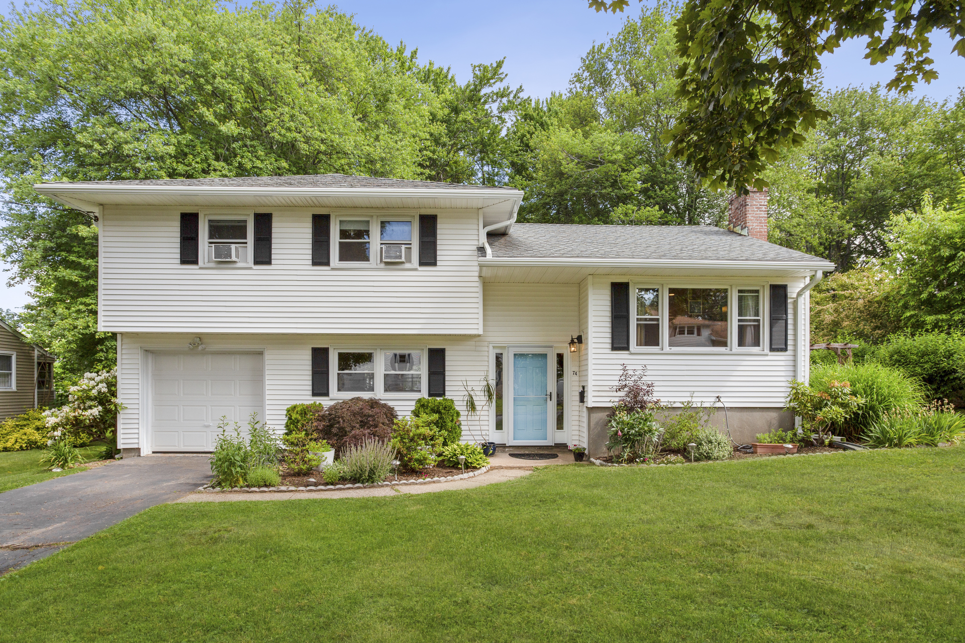 74 Parsons Drive, West Hartford