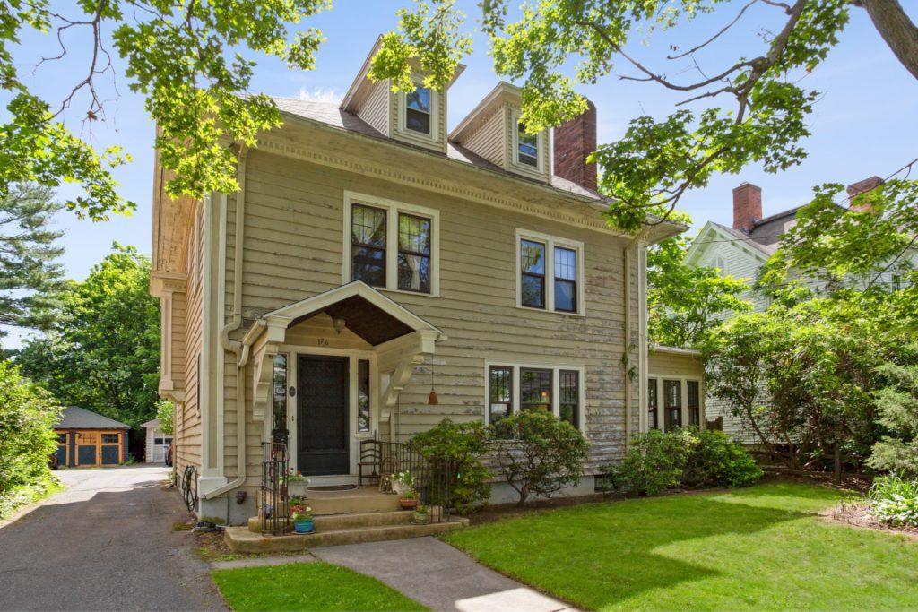 176 Beacon Street, Hartford